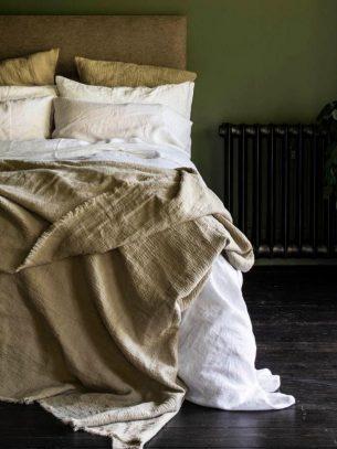 Piglet Linen Crinkle Throw Blanket